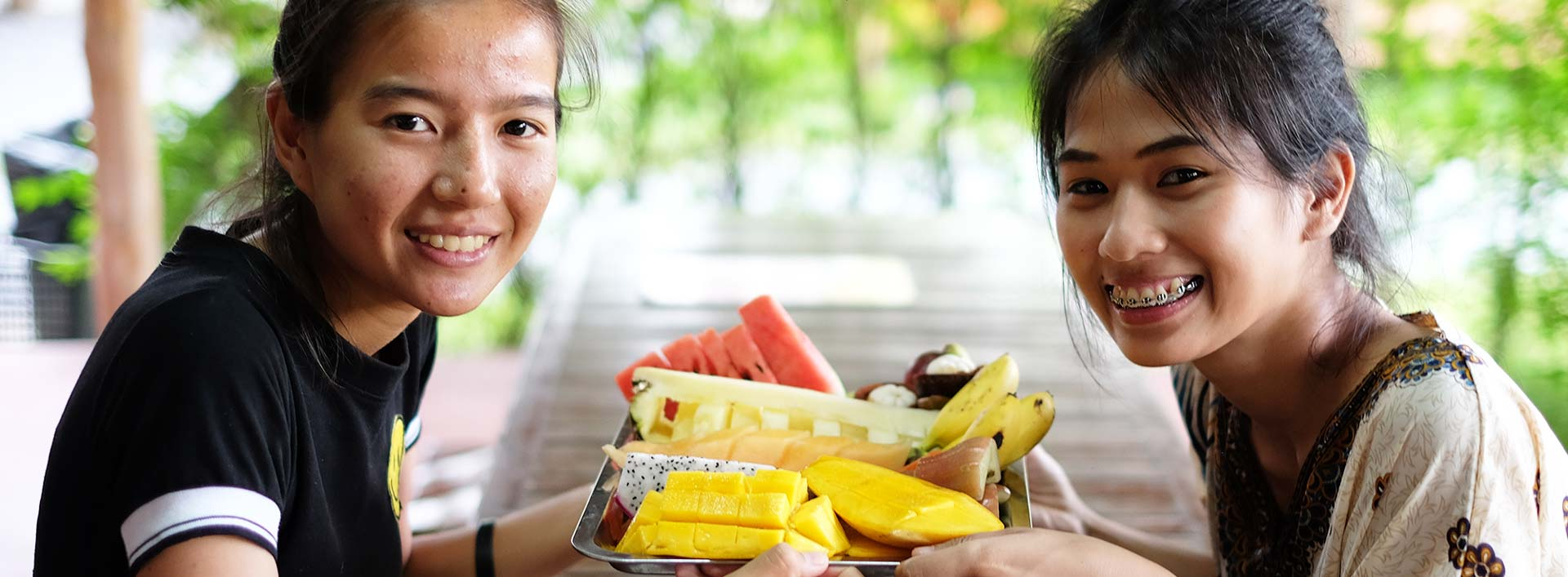 Pattaya_ElephantTrekking_Thai-Fruit-1